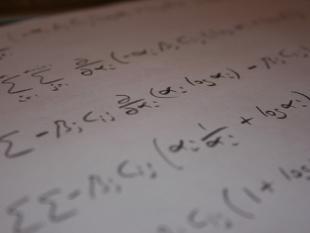Wiskunde duidelijker zonder voorbeelden