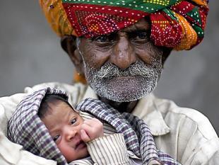Oude vader zorgt ervoor dat kinderen langer leven