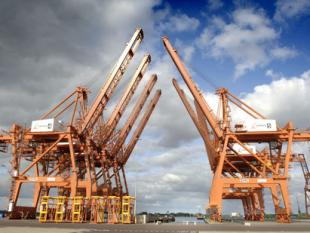 Amsterdamse containerhaven slecht voor Nederland