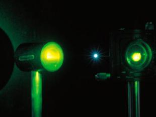 Lichtstraal wordt materie en weer lichtstraal