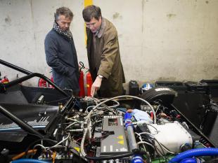 Waterstofauto verbreekt record op circuit Zandvoort