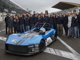 Waterstofraceteam TU Delft racet als eerste tegen benzineauto's