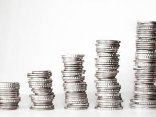 Helft Nederlanders bespreekt financiële situatie openlijk met familie en vrienden