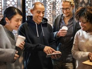 Onderwijsprofessional vindt eigen ICT-kennis veel beter dan die van collega