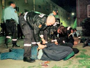 Buikligging arrestant oorzaak plotselinge dood