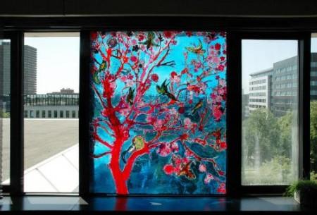 Een kunstwerk van Anna Volkova, verwerkt in dubbel glas.