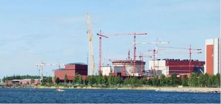 Olkiluoto-3 in Finland in aanbouw (bron: Wikipedia).