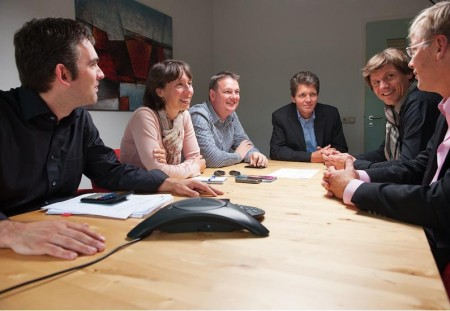 Willem van Weperen (derde van rechts) en zijn management team.