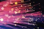 Voor virtueel internet dient men een zeer snelle verbinding te hebben: glasvezel is ideaal daarvoor.