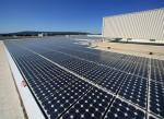 De zonnepanelen op het dak van Toyota's South Campus Expansion