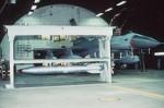 F16 en B61 atoomwapen in een tunnelloods